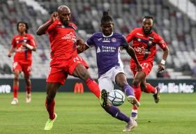 La défense du Stade Malherbe Caen a dû céder à trois reprises face aux joueurs du Toulouse FC samedi soir