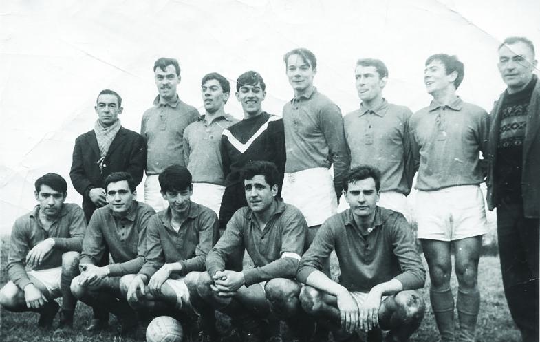 La première équipe dans l'histoire de La MOS lors de la saison 1965-1966.