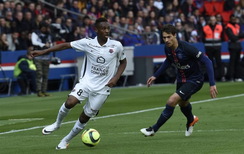 Touché à l'épaule en fin de match, Ismaël Diomandé pourrait souffrir d'une luxation. En cas d'opération, le milieu défensif prêté par Saint-Etienne devrait être absent deux mois.