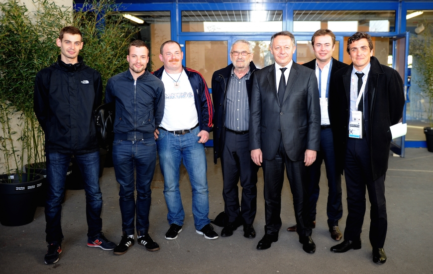 En présence, entre autres, du président Jean-François Fortin, le secrétaire d'état Thierry Braillard a échangé avec les représentants du MNK 96 avant le match contre Lorient.