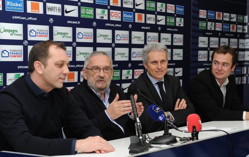 Xavier Gravelaine, Jean-François Fortin, Joël Bruneau et Aristide Olivier lors de la conférence de presse de ce 30 janvier qui fera date dans l'histoire du Stade Malherbe.