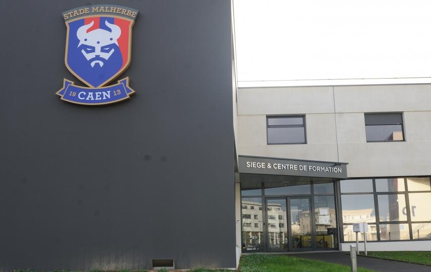Un mois après la visite des installations par le DTN François Blaquart, l'un de ses bras droits Paul-Hervé Douillard et le futur CTR de la Ligue de Normandie Thierry Montagne, le Stade Malherbe a reçu la lettre de la FFF lui confirmant son passage en catégorie 1.
