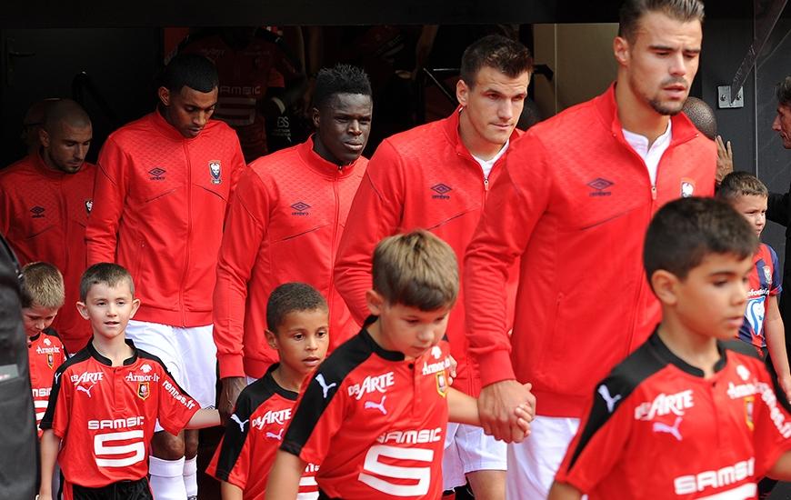 Un mois après sa blessure à la cuisse droite, Romain Genevois - ici, entre Damien Da Silva, Ivan Santini, Ronny Rodelin et Vincent Bessat - réintègre le groupe caennais pour la réception du Stade Rennais.