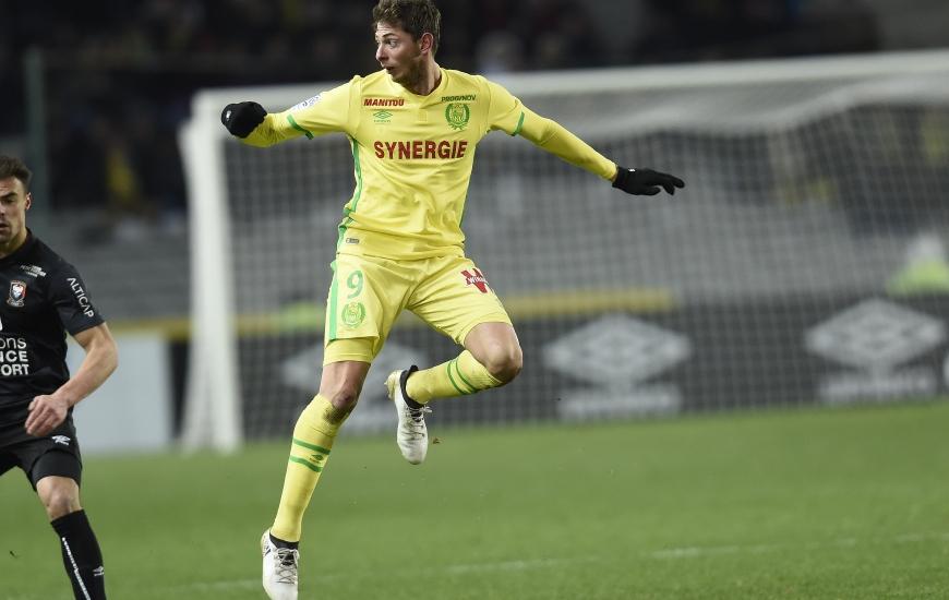 Unique buteur au match aller lors du succès des Canaris aux dépens du Stade Malherbe, Emiliano Sala - qui souffre d'une contracture à l'ischio-jambiers gauche - est incertain.