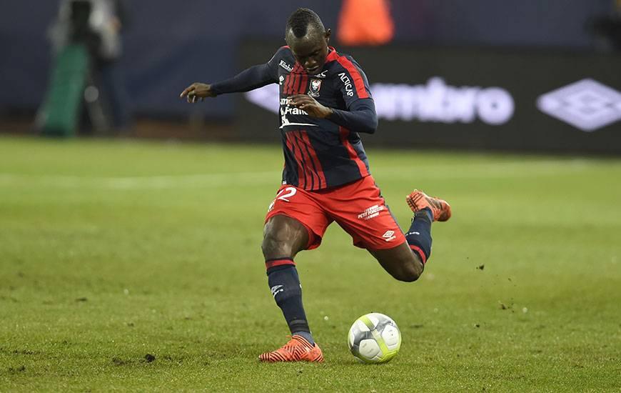 Adama Mbengue suspendu, Vincent Bessat en phase de reprise avec la réserve, Patrice Garande va devoir trouver une solution pour occuper le poste de latéral gauche face à Toulouse.