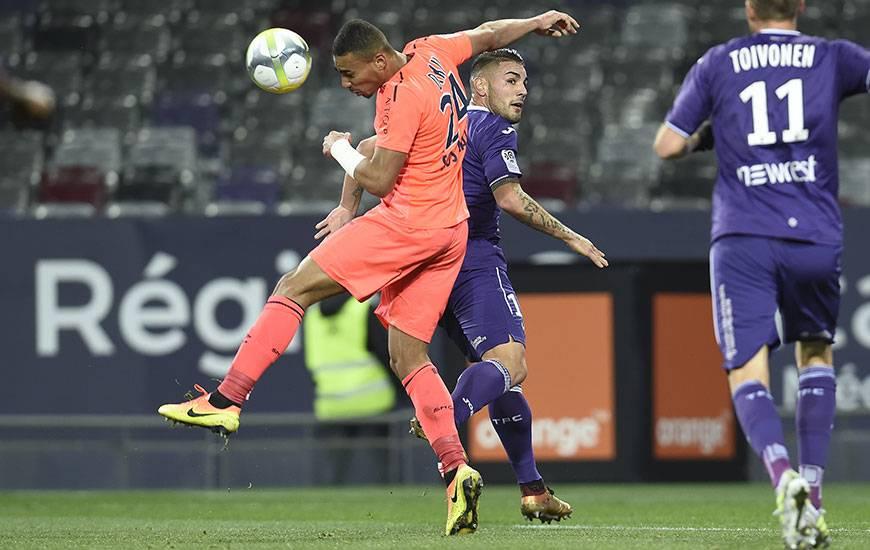 Pour avoir écopé d'un troisième carton jaune en cinq matches face à Toulouse, Alexandre Djiku sera suspendu contre le PSG.