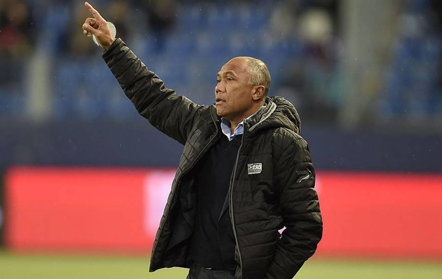 Antoine Kombouaré a convoqué un groupe de 19 éléments dont deux de ses recrues du mercato : le milieu Clément Grenier et l'attaquant Yeni Ngbakoto.