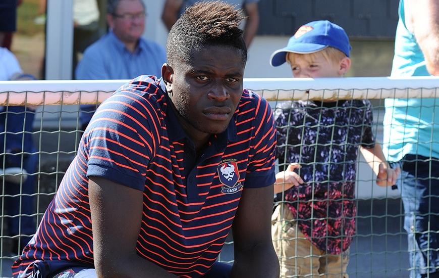 """Spectateur face à Avranches le week-end dernier, Brice Samba effectuera son baptême du feu sous le maillot """"Bleu et Rouge"""" contre Le Havre en disputant une mi-temps."""