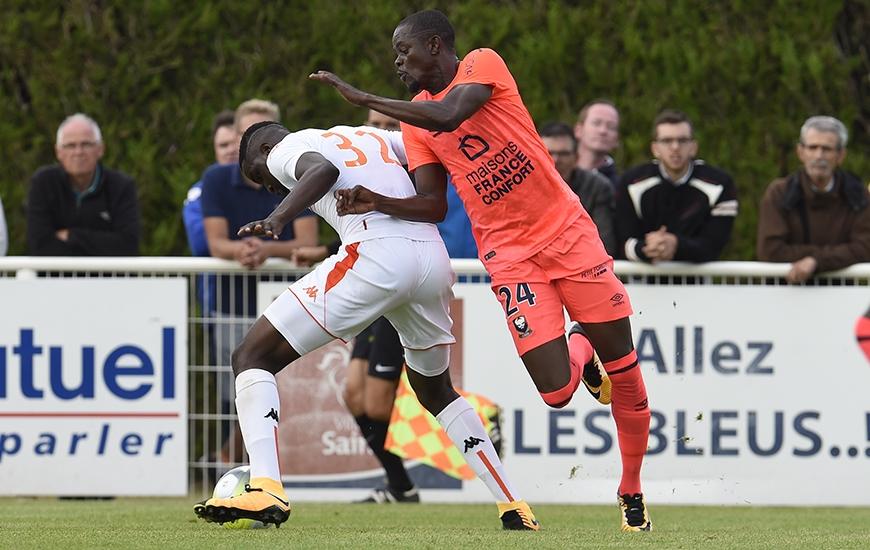 Subtilisant le ballon dans les pieds d'un défenseur lorientais à une vingtaine de mètres des cages adverses, Christian Kouakou a offert la victoire au SMC d'une frappe croisée du gauche passant entre les jambes de Paul Delecroix.