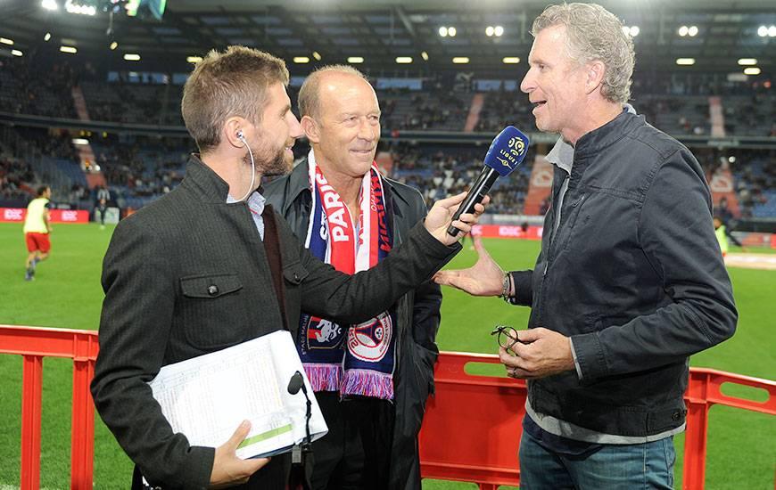 Interviewé, ici, par François Duval, le speaker du club normand, en compagnie de Gabriel Calderon lors de l'une de ses visites à d'Ornano, Denis Brogniart est l'invité d'Allô Malherbe ce lundi soir.