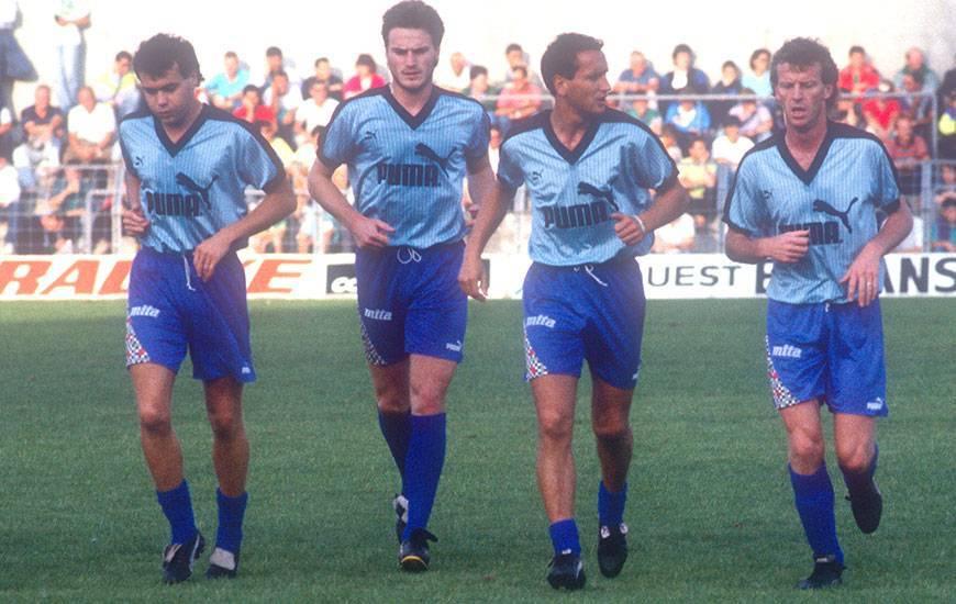 En mai 1989, alors qu'ils devaient impérativement l'emporter face à Bordeaux pour croire en leur chance de maintien, les Caennais s'étaient imposés 3-2 après avoir été menés 2-0 grâce à un triplé de Fabrice Divert (deuxième en partant de la gauche).