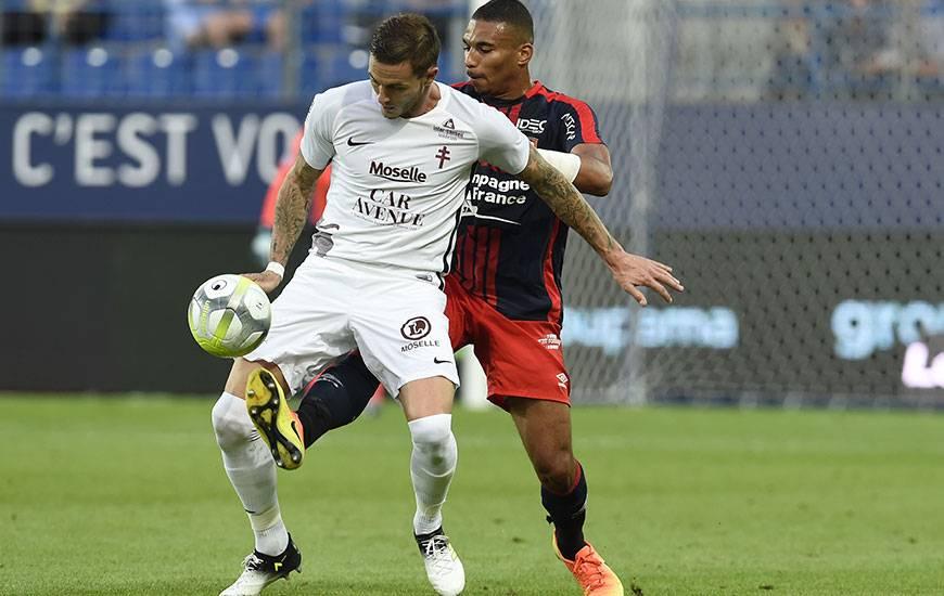 Le 8e de finale entre le FC Metz de Nolan Roux et le Stade Malherbe d'Alexander Djiku sera également commenté en live tweet sur le compte du club normand.