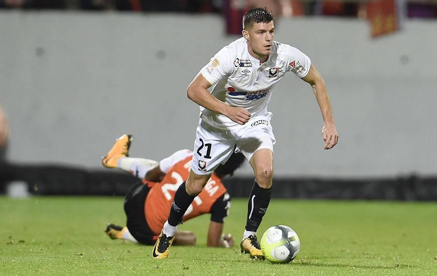 Averti face à Lorient ; son troisième carton jaune en moins de dix rencontres, Frédéric Guilbert sera suspendu soit pour le déplacement à Marseille (J12) ou pour la réception de Nice (J13).