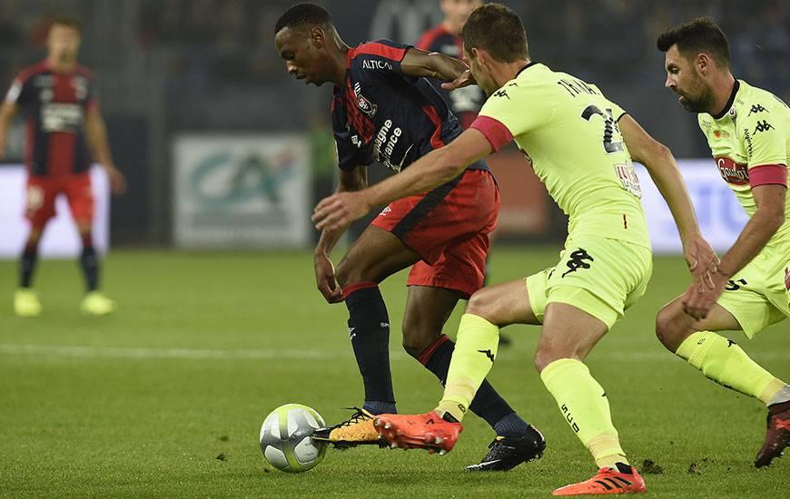 Remplaçant Ivan Santini, Jordan Nkololo - pour sa deuxième apparition de la saison - a manqué d'efficacité sur les deux occasions qu'il a obtenues à la demi-heure de jeu.