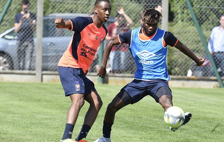 Diminué par une pubalgie pendant la préparation, Jordan Nkololo - ici, avec Durel Avounou - a participé normalement aux trois séances depuis le début de la semaine. ©Photo d'archives