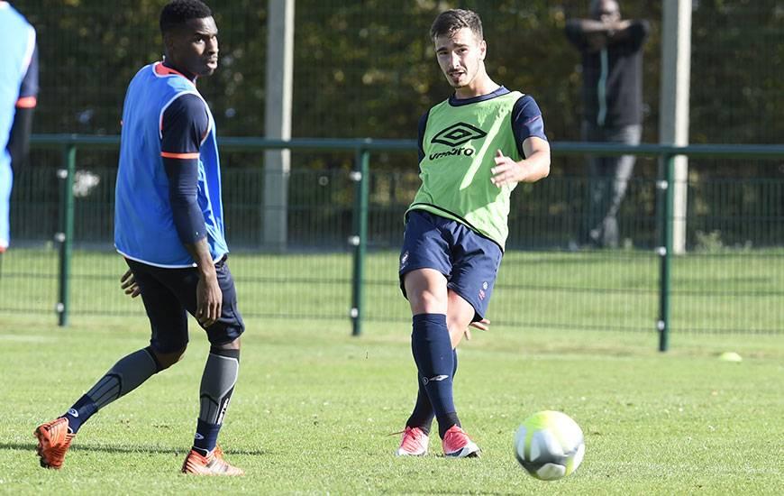 Titulaire en défense dans le onze de départ de Patrice Garande, Léon Valentin disputera l'intégralité des 90'.