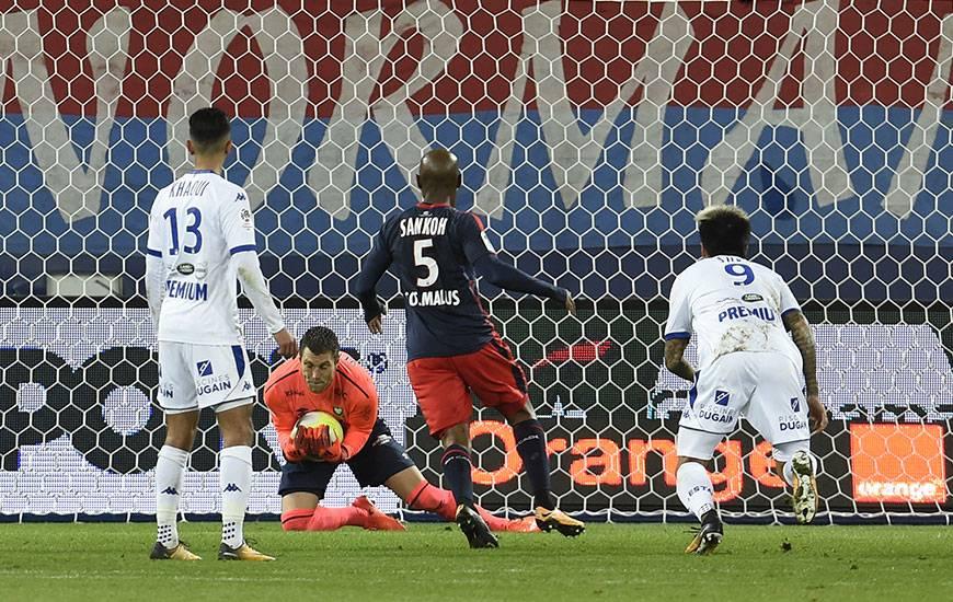 Pour la cinquième fois cette saison, Rémy Vercoutre a préservé ses cages inviolées.