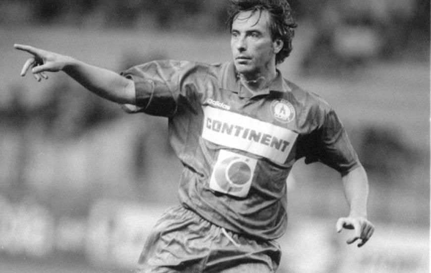 Le Stade Malherbe s'est imposé pour la première fois au Vélodrome un soir d'octobre 1996 grâce à un but d'Emmanuel Rival.