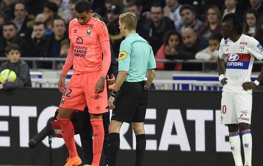 Touché à l'adducteur droit, Ronny Rodelin a été contraint de quitter la pelouse du Groupama Stadium à un quart d'heure de la fin. Sa participation pour le match à Angers, samedi prochain, est incertaine.
