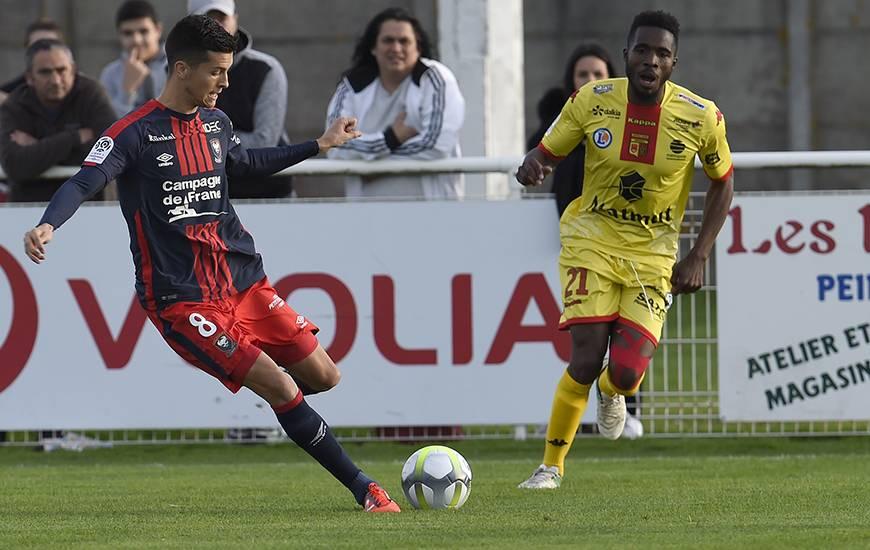 Eloigné des terrains depuis le 9 septembre à cause d'un problème à une rotule, Stef Peeters a effectué son retour vendredi soir contre Quevilly-Rouen.