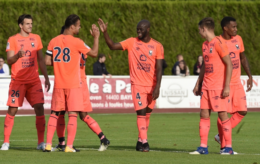La joie des caennais après la victoire en amical face au Havre AC lors de la séance de tirs au but (4-3) du Trophée des Normands.