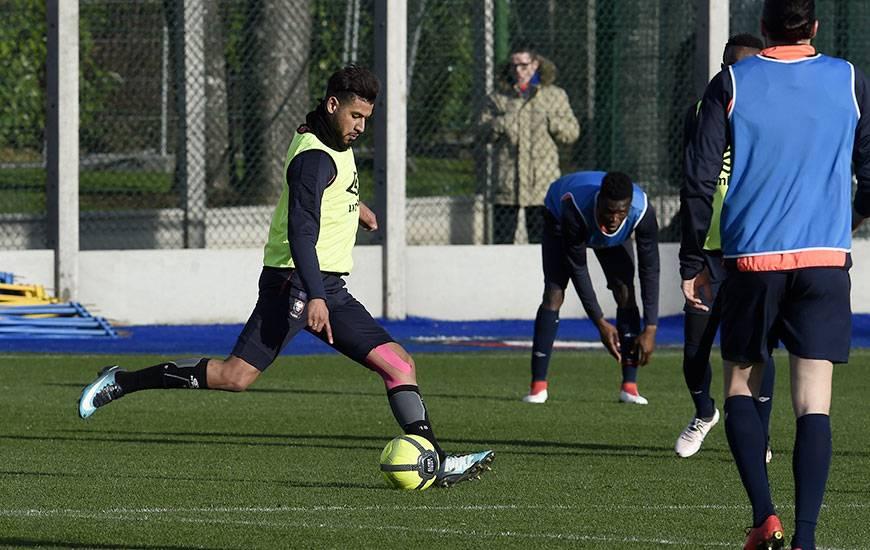 Ayant participé normalement aux séances d'entraînement cette semaine, Youssef Aït Bennasser postule à une place de titulaire contre Rennes. ©Photo d'archives