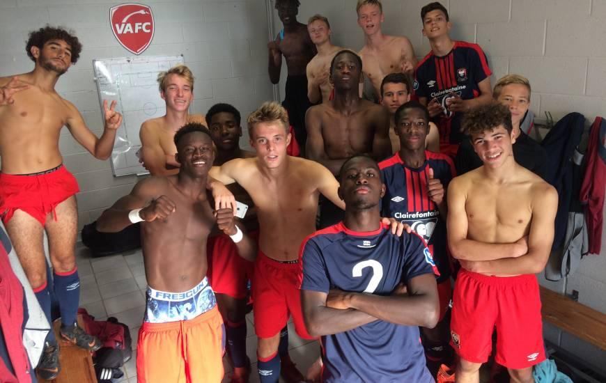 Les jeunes joueurs du Stade Malherbe Caen ont pris la pause dans le vestiaire de Valenciennes après la victoire hier après-midi