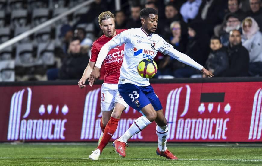 Younn Zahary est présent dans le groupe pour affronter Angers, le jeune défenseur pourrait de nouveau être titulaire face aux angevins