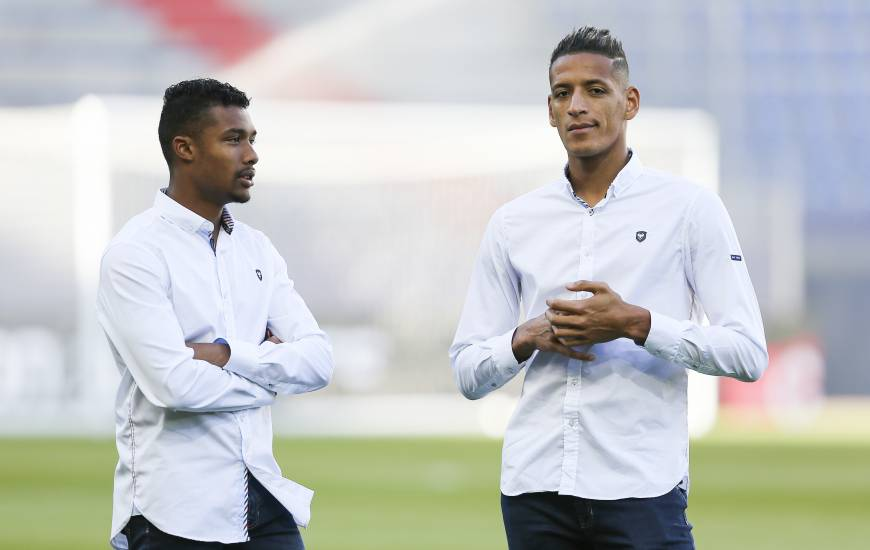 Yacine Bammou et Yoël Armougom se sont contentés d'un footing ce mardi matin et devraient retrouver le groupe dans la semaine