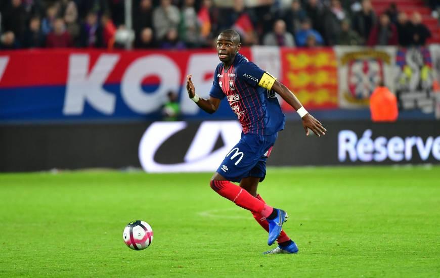 Absent du 16e de Coupe de la Ligue BKT, Prince Oniangué, capitaine du Stade Malherbe devrait retrouver sa place au milieu de terrain demain soir