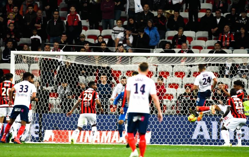 Le Stade Malherbe Caen a inscrit son premier but sur corner hier soir grâce à Alexander Djiku
