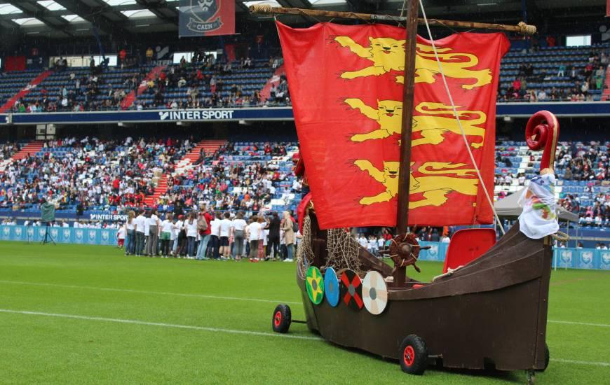 Le Stade Malherbe Caen a organisé la première fête des écoles avec près de 2 500 élèves sur la pelouse de d'Ornano