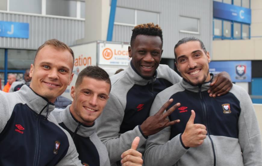 Les joueurs du Stade Malherbe Caen ont joué le jeu pendant près de 2h à la rencontre des supporters présents pour la présentation de l'effectif 2018 / 2019