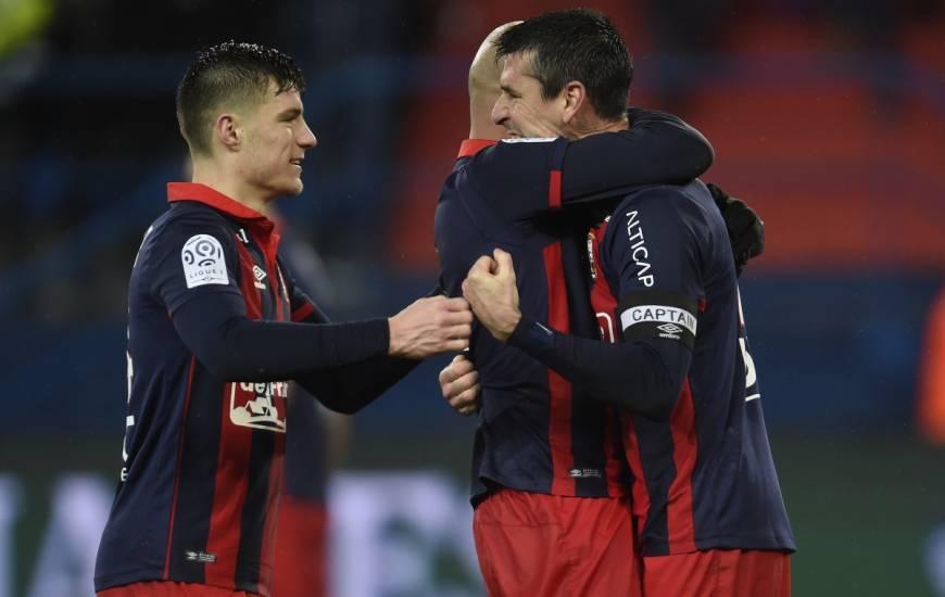 La joie de Julien Féret, Frédéric Guilbert et Alaeddine Yahia après la victoire face à l'Olympique Lyonnais en 2017