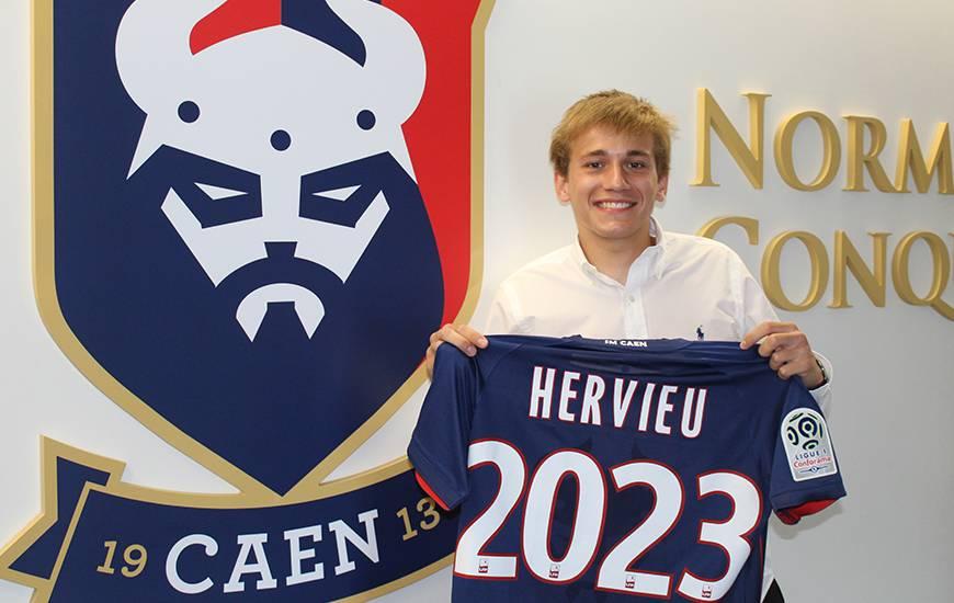 """Au Stade Malherbe depuis 2016, Loup Hervieu a prolongé l'aventure avec les """"bleu et rouge"""" jusqu'en 2023"""