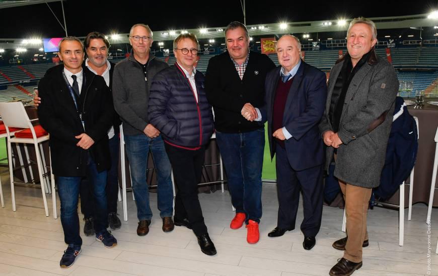 Jean-Luc Pignol (président de l'association) et Pierre Leresteux (président de la Ligue) ont signé une convention samedi avant la rencontre face au Stade Rennais