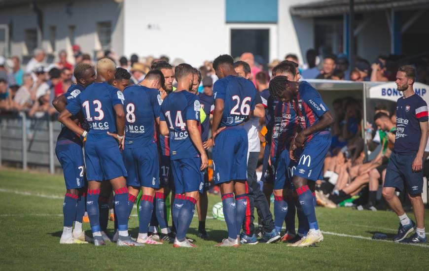 Les consignes de Rui Almeida à ses joueurs lors de la pause fraîcheur de la seconde période