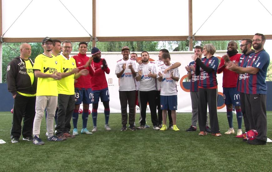 Les 14 salariés de l'entreprise Esteban Bacon Couverture étaient séparés en trois équipes pour ce challenge