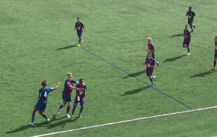 Lors du match SM Caen 5-1 QRM, le défenseur U17 Caennais Abou Sangaré s'est illustré en marquant un but sur corner direct