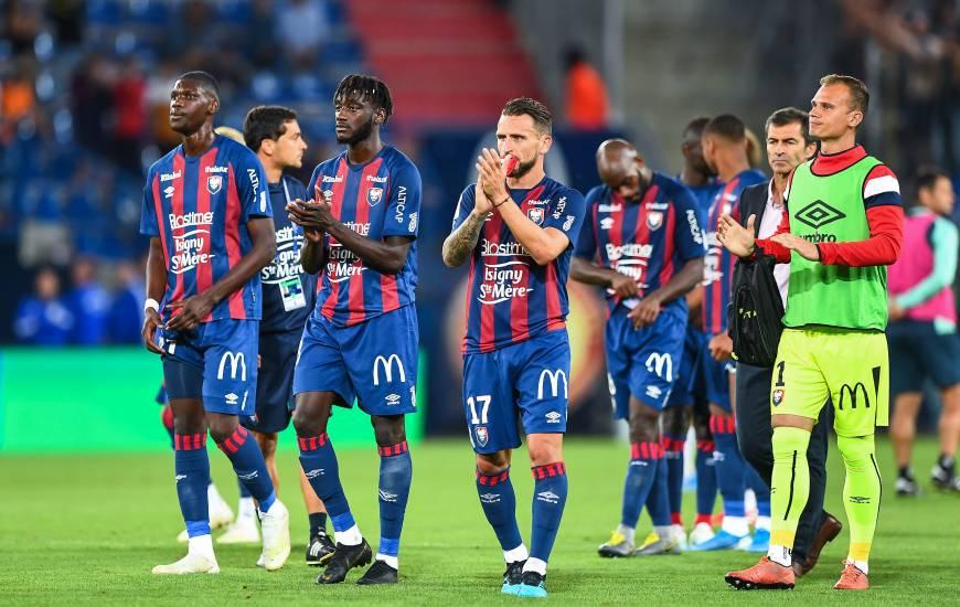 La déception des joueurs du Stade Malherbe Caen après le revers face au Havre AC hier soir à d'Ornano