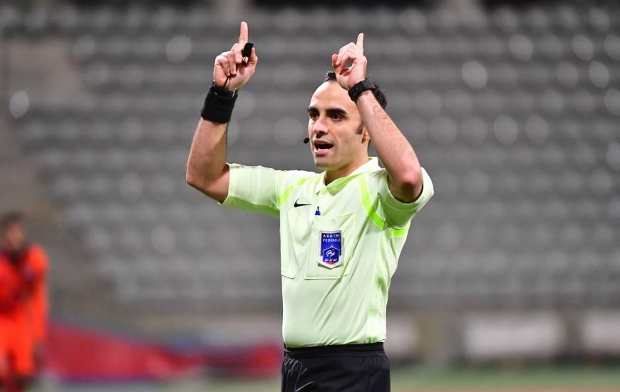 Cédric Dos Santos s'apprête à arbitrer le Stade Malherbe Caen pour la première fois en Domino's Ligue 2