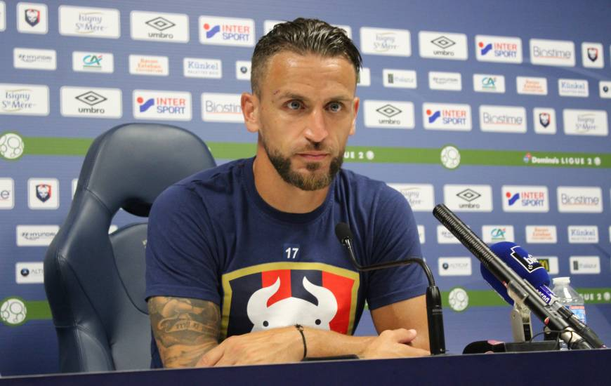 Anthony Gonçalves s'est présenté devant la presse ce jeudi pour répondre aux questions des journalistes