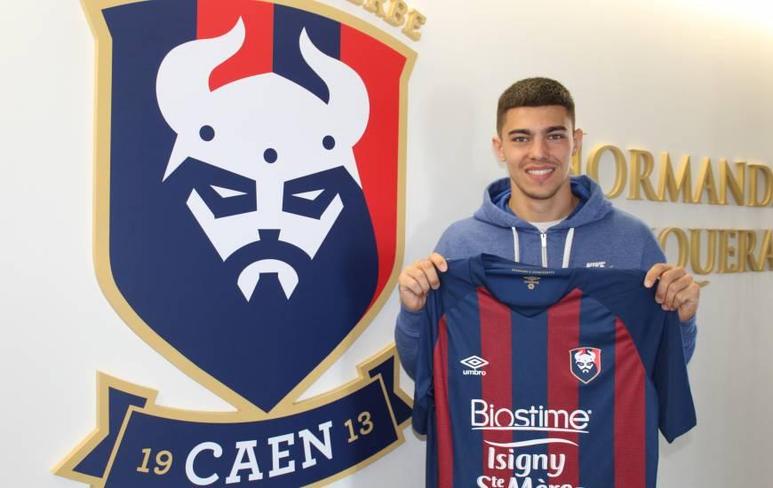 Corentin Cal compte deux titularisations en professionnel avec le Racing Club de Lens la saison dernière