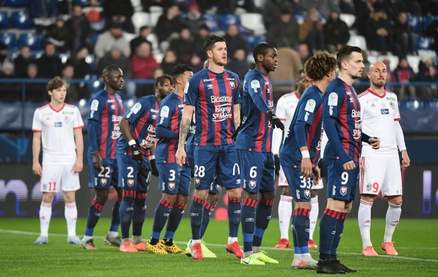 Après une heure de jeu à 10 contre 11, le Stade Malherbe Caen a dû s'incliner dans les dernières secondes de la rencontre