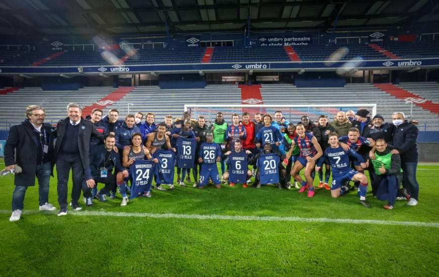 La joie des joueurs et staff du Stade Malherbe Caen après la victoire face à l'ASNL la semaine dernière