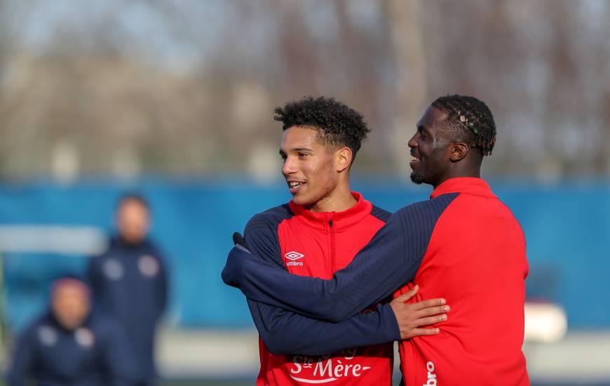 Nicholas Gioacchini et Aliou Traoré figurent bien dans le groupe pour la réception du Paris FC ce soir