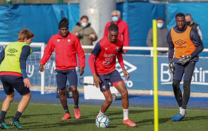 Kélian Nsona et les joueurs du Stade Malherbe peuvent profiter d'une semaine complète pour préparer le déplacement à Guingamp