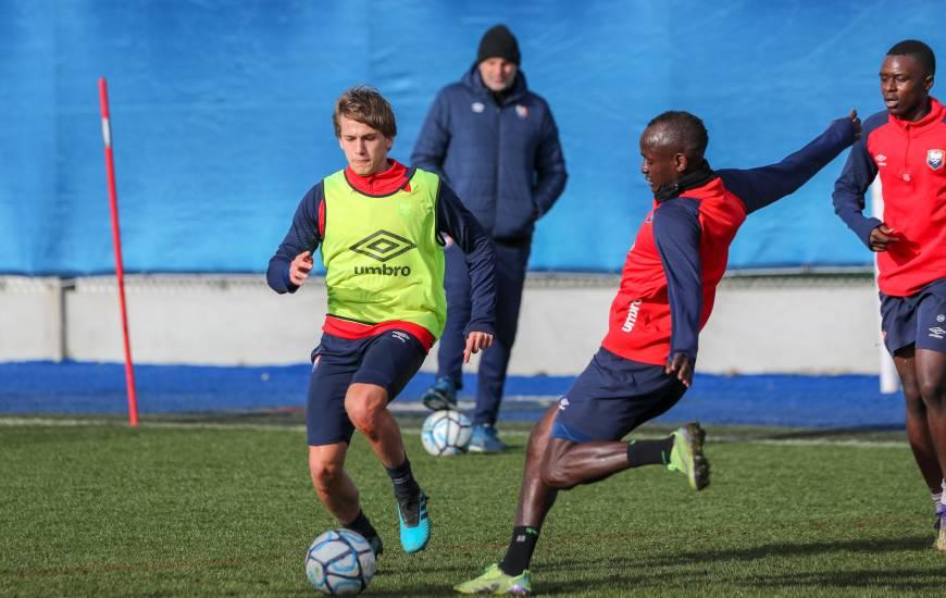 Loup Hervieu, Adama Mbengue et les Caennais s'entraîneront quotidiennement avant la réception du Paris FC samedi soir (19h00)