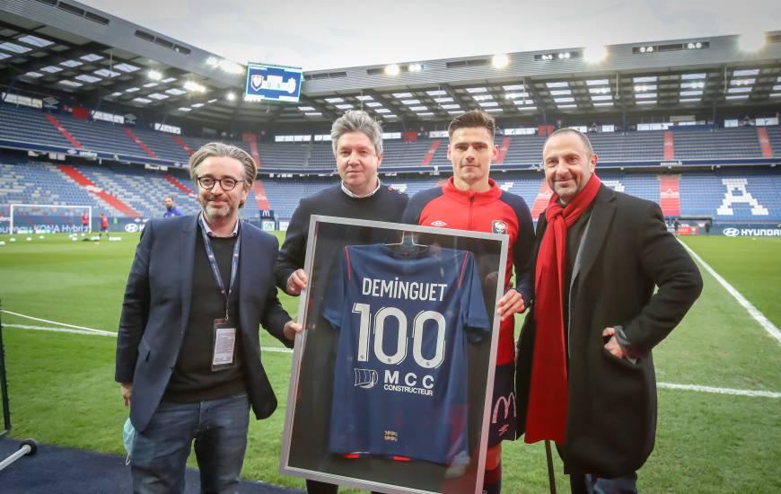 Jessy Deminguet a reçu un maillot symbolique pour son 100e match disputé sous les couleurs du Stade Malherbe Caen
