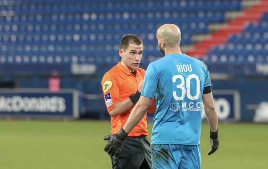 Bastien Dechepy va diriger son sixième match de Ligue 2 BKT demain soir à l'occasion de la réception du Clermont Foot